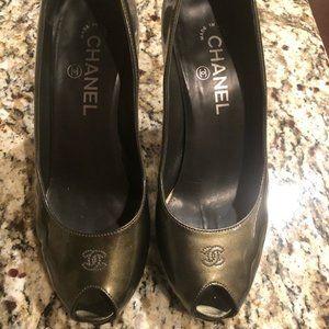 Chanel Patent leather heel